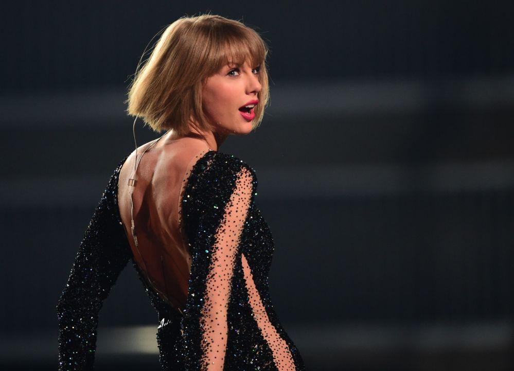 Cantora estadunidense Taylor Swift no 58º prêmio de Grammy Awards em Los Angeles, 2016