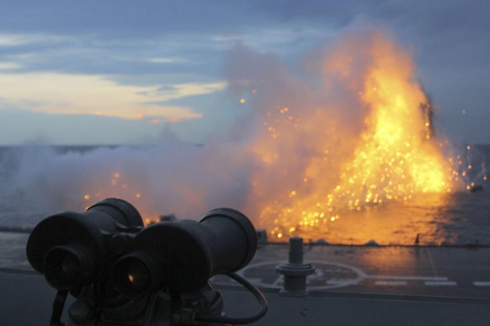 Canhão do cruzador pesado Admiral Kuznetsov