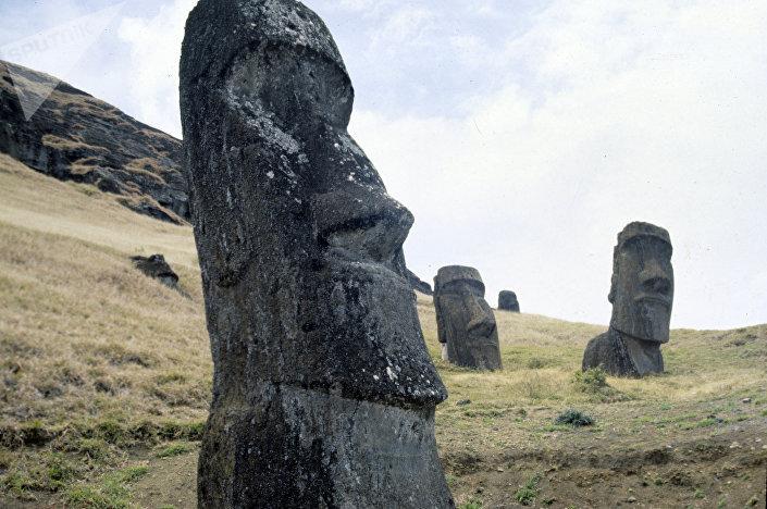Moais, ídolos na Ilha de Páscoa