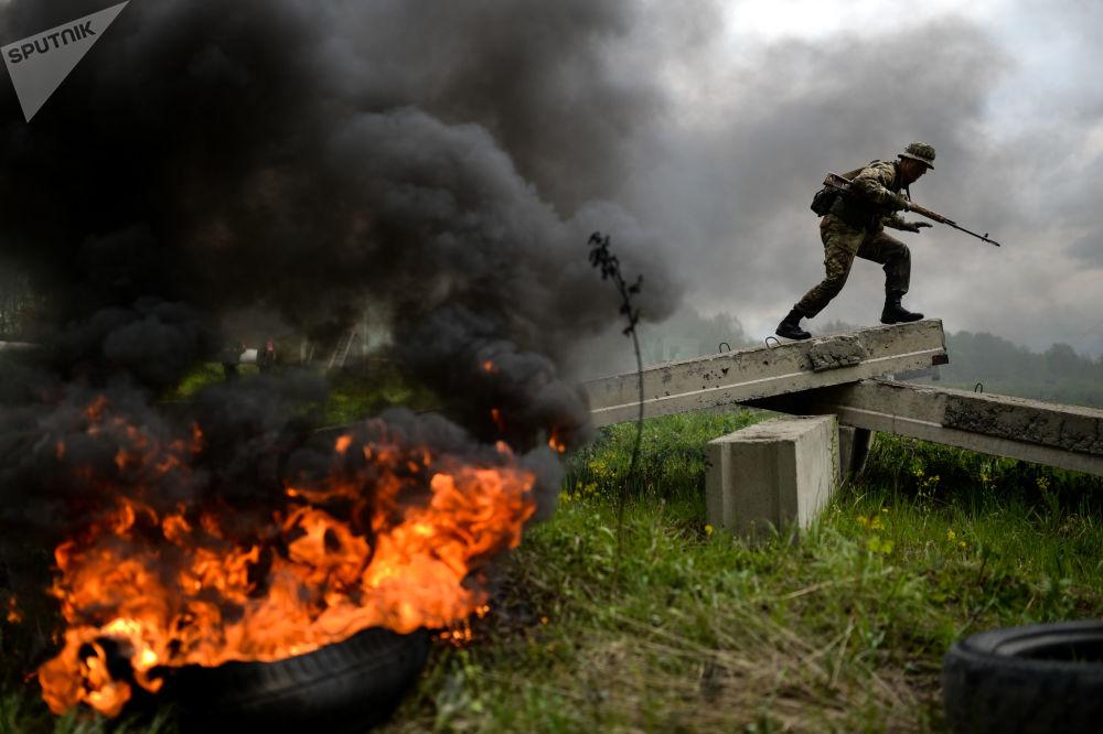 Um grande concurso para os militares das tropas de reconhecimento tem lugar em Novossibirsk, Rússia