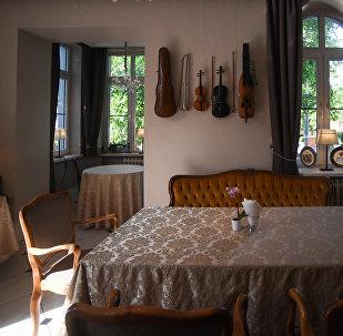 Interior do Restaurante Tchaikovsky em Kaliningrado