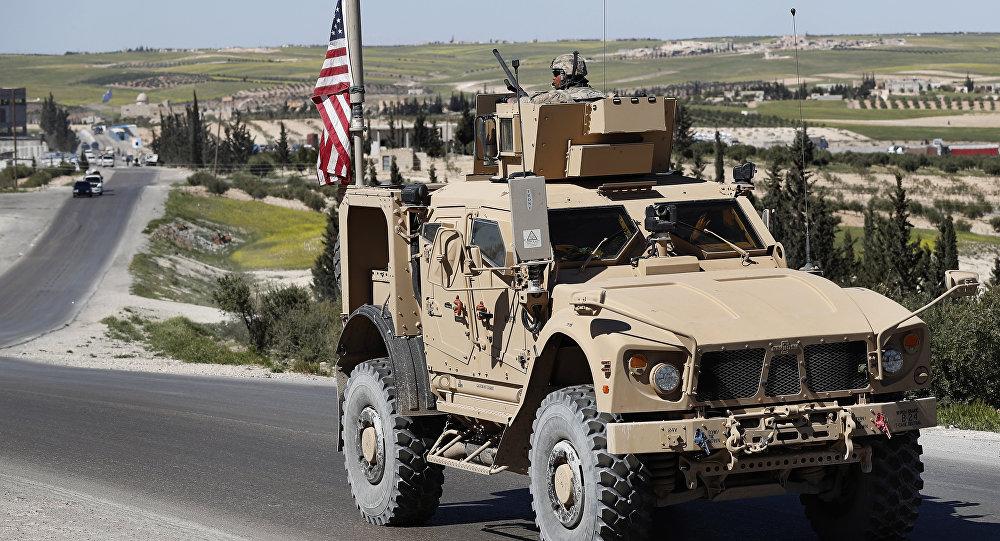 Soldado norte-americano em Manbij, norte da Síria, 4 de abril de 2018