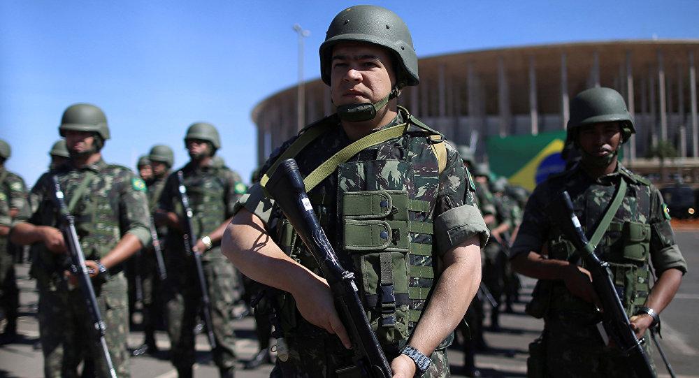 Policiais e forças especiais brasileiras em Brasília (foto de arquivo)