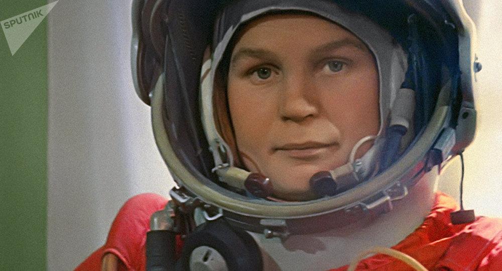 Valentina Tereshkova antes do lançamento