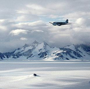 Cordilheira perto da Antártida