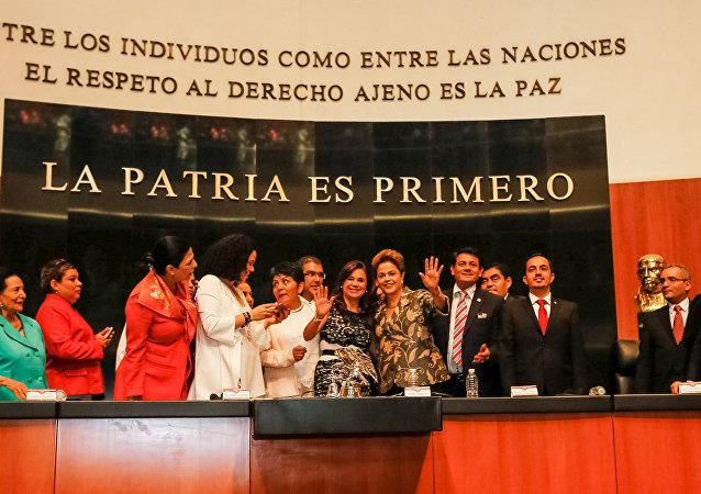 Presidenta Dilma Rousseff durante Sessão solene da Comissão Permanente do Congresso da União em homenagem à Presidenta da República