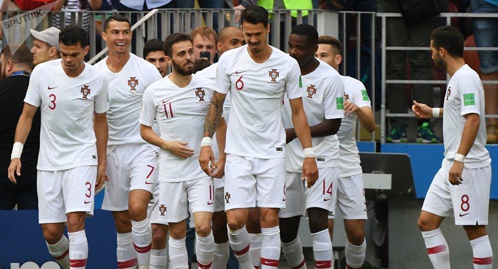 Seleção Portuguesa após golaço de Ronaldo, no jogo Portugal-Marrocos em 20 de junho de 2018 em Luznhiki