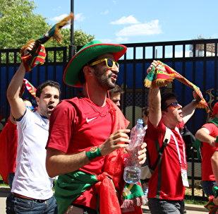 Torcida Os Bárbaros, do Porto, antes do jogo Portugal-Marrocos, em 20 de junho de 2018, em Moscou