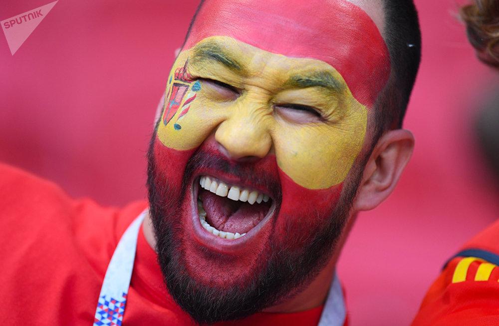 Torcedor espanhol na Arena Kazan para ver o confronto da seleção espanhola contra o Irã