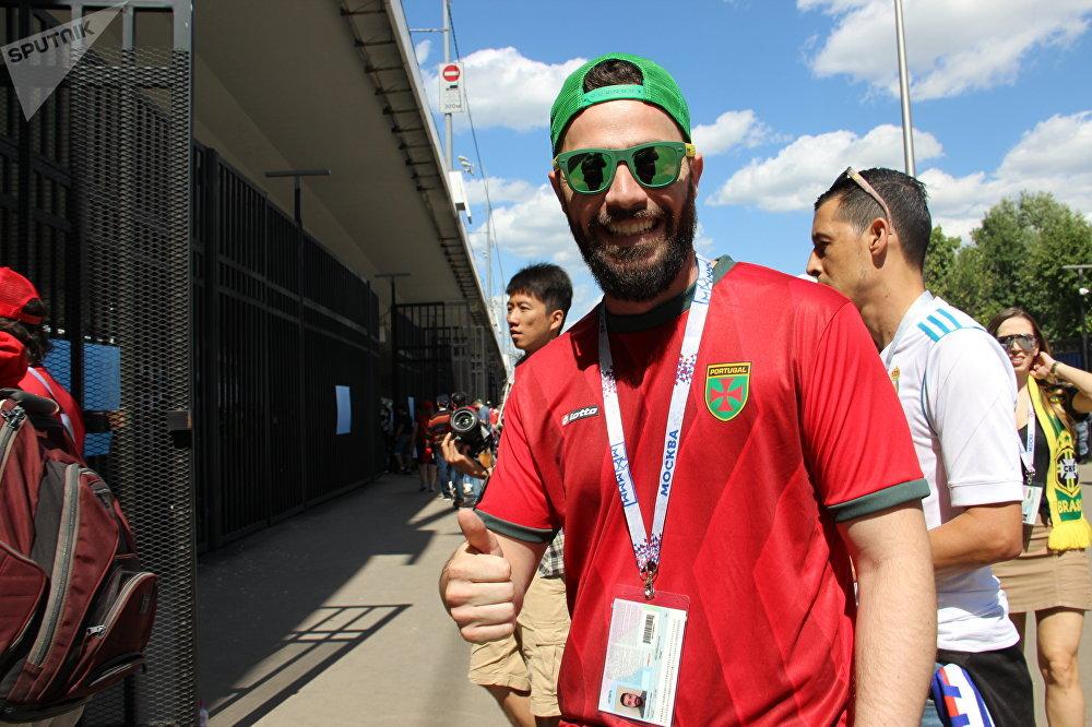 Thiago, brasileiro que está apoiando a equipe lusa, antes do jogo Portugal-Marrocos, em 20 de junho de 2018, em Moscou