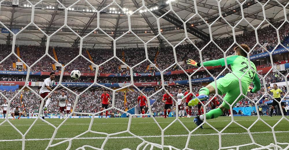 México 2 x 1 Coreia do Sul - Carlos Vela marca o primeiro gol do México em uma cobrança de pênalti