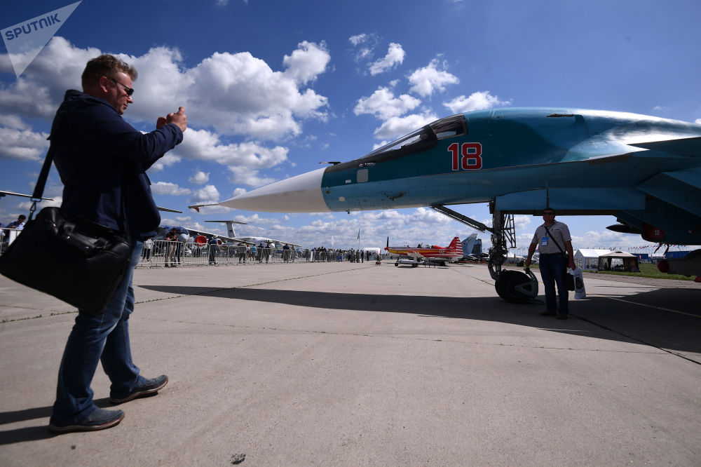 Modificação de ataque do avião Su-34 para exportação no aeródromo Zhukovsky