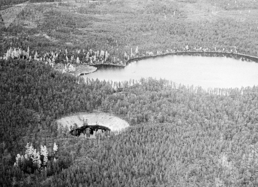 Pequenas crateras formadas por meteoritos, descobertas por cientistas na região russa de Yakútia
