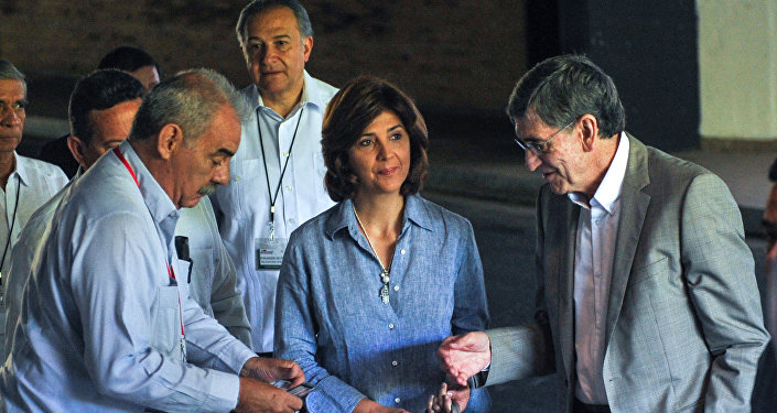 A chanceler colombiana, María Ángela Holguín, chegou nesta sexta-feira a Havana, em Cuba, para participar das conversas mediadas com representantes das FARC