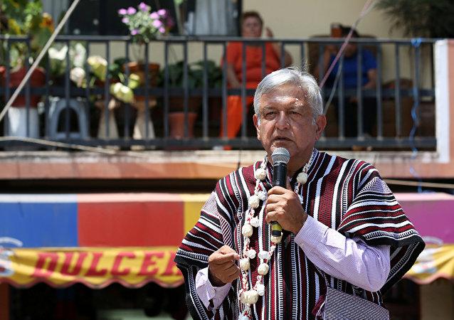 Andrés Manuel López Obrador em campanha presidencial.