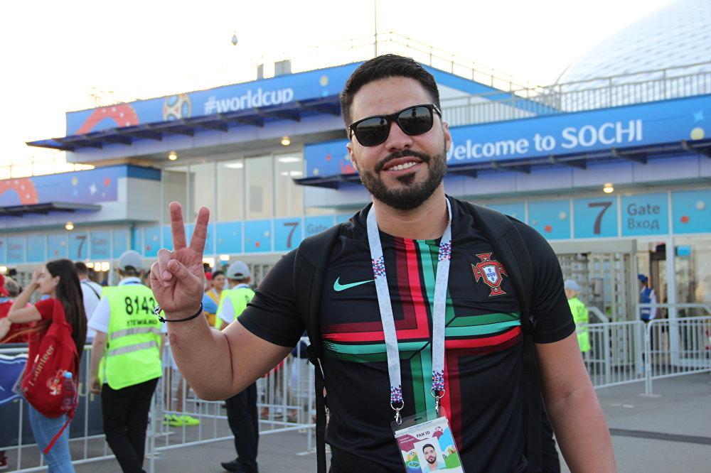 Jaime, torcedor venezuelano da Seleção Portuguesa, antes do jogo Portugal-Uruguai, em Sochi, em 30 de junho de 2018