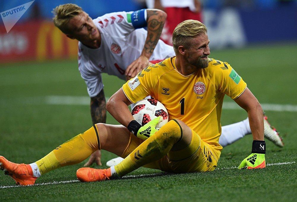 Kasper Schmeichel, goleiro da Dinamarca, no jogo contra a Croácia pelas oitavas de final da Copa do Mundo