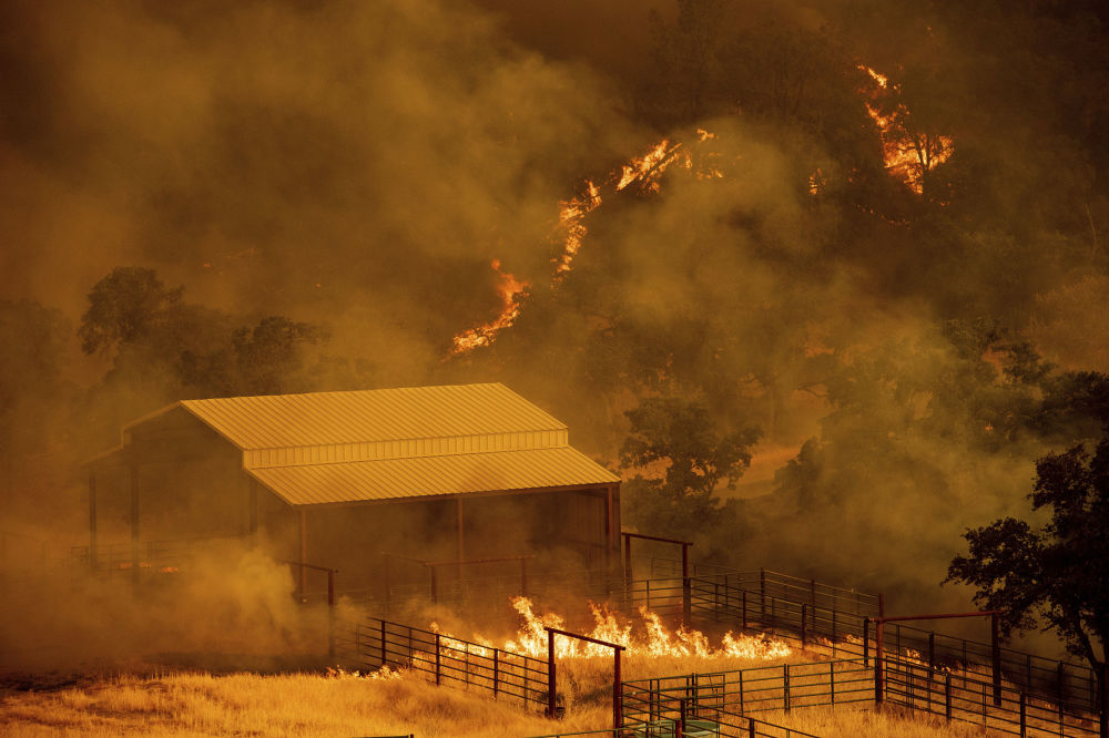 Incêndio florestal em Guinda, Califórnia