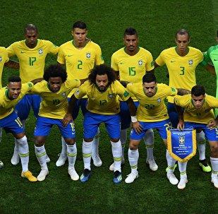 Seleção do Brasil antes do jogo com a Bélgica
