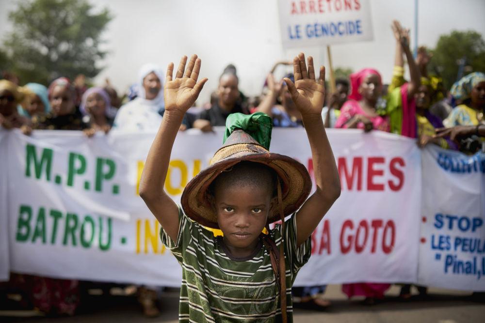 Manifestação de representantes do povo fula contra o genocídio no Mali