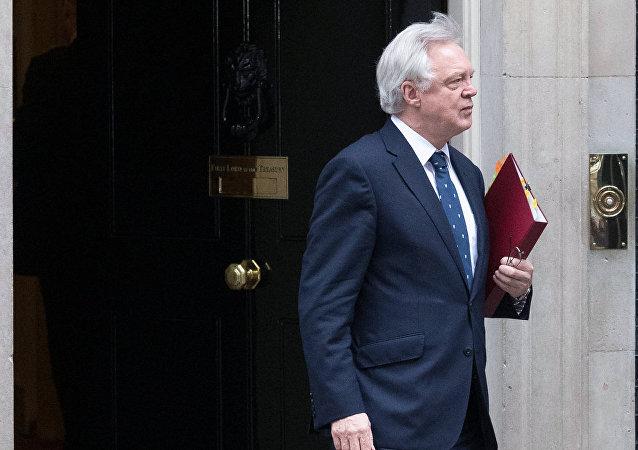 Secretário de Estado da Grã-Bretanha para a saída da União Europeia, David Davis.