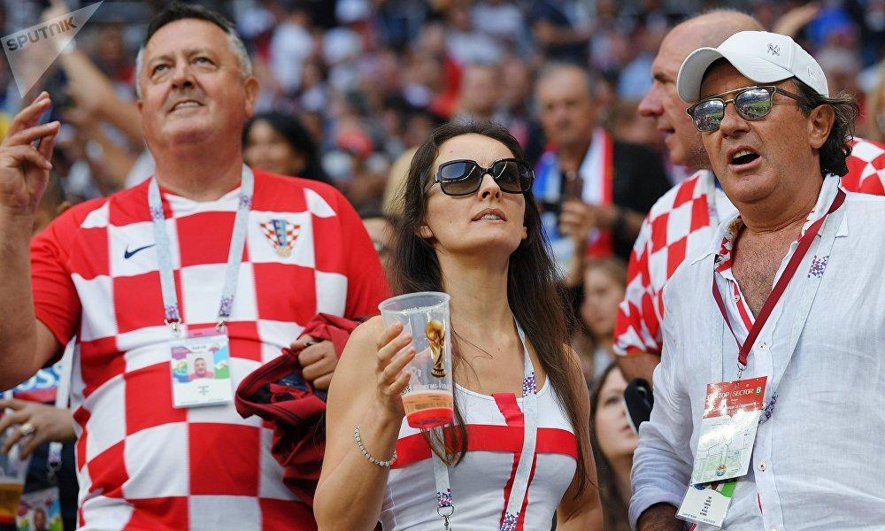 Torcida da Croácia no estádio Luzhniki, em Moscou, onde a seleção nacional enfrenta a Inglaterra pela segunda semifinal da Copa do Mundo FIFA 2018