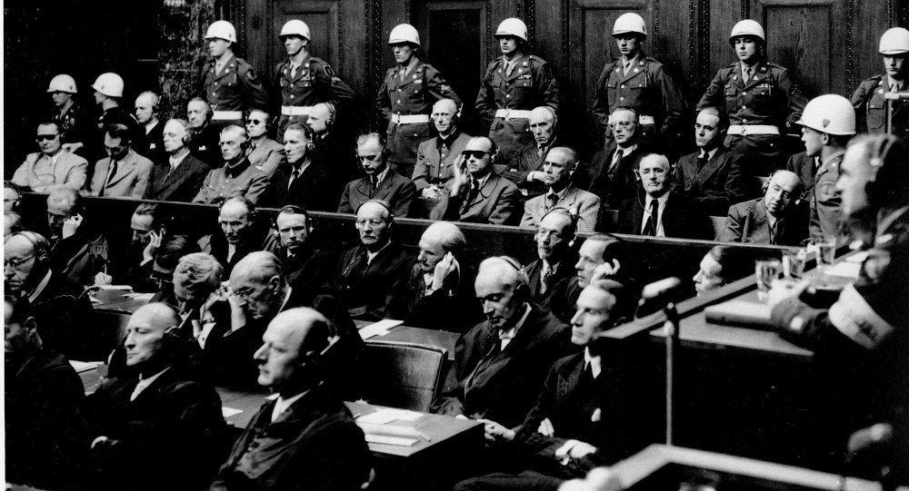 Foto de arquivo, 30 setembro de 1946, um dos processos de Guerra de Nuremberg