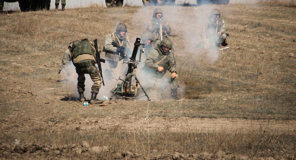Militares russos participam de exercício na Crimeia