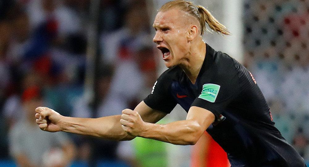 Zagueiro Domagoj Vida comemora vitória da seleção croata