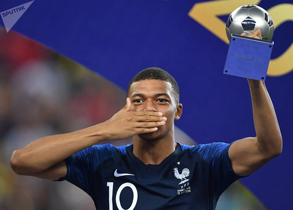 Kylian Mbappé, melhor jogador jovem da Copa do Mundo FIFA 2018
