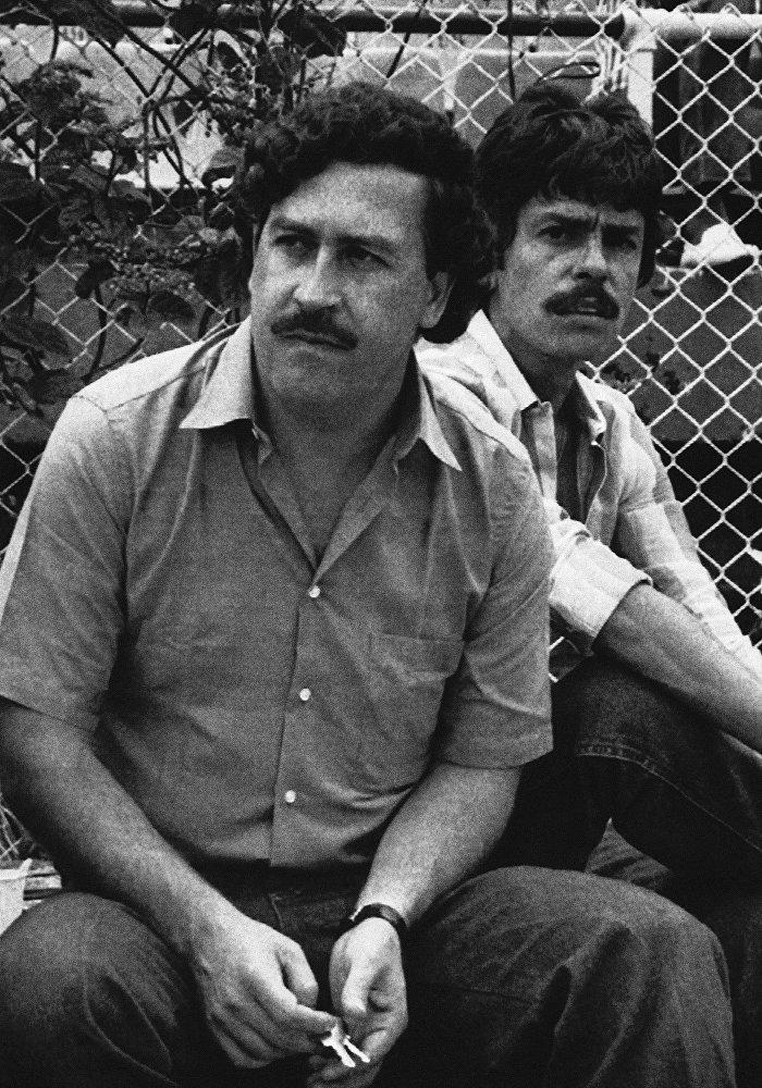 O colombiano Pablo Escobar já figurou na lista de bilionários da revista Forbes com uma fortuna de US$ 3 bilhões.