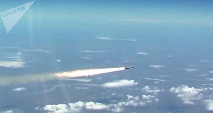 Lançamento do míssil hipersônico russo Kinzhal