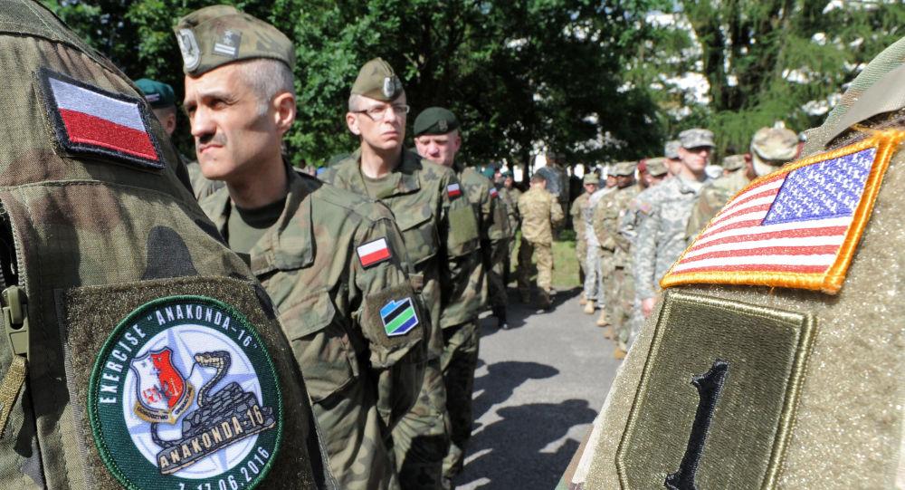 Exército polonês e norte-americano em exercícios Anaconda da OTAN na Polônia, em 6 de junho de 2016 (foto de arquivo)