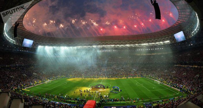 Fogo de artifício na final da Copa do Mundo 2018 em Moscou.