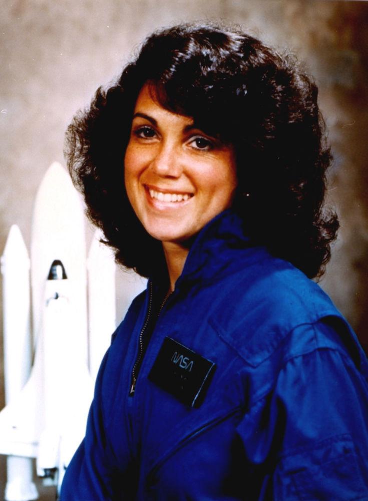 Foto de arquivo de 1984 fornecida pela NASA mostra a astronauta Judith Arlene Resnik. Resnik foi uma missionária no ônibus espacial Challenger em 28 de janeiro de 1986, quando o veículo explodiu logo após a decolagem no Centro Espacial Kennedy