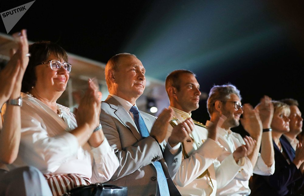 O presidente russo, Vladimir Putin, visita o festival Ópera em Khersones, na Crimeia, em 4 de agosto de 2018