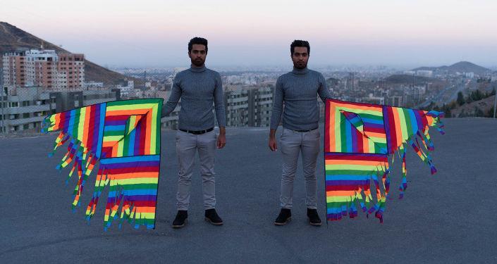 Gêmeos, foto vencedora na categoria Retrato. Herói dos Nossos Tempos, séries