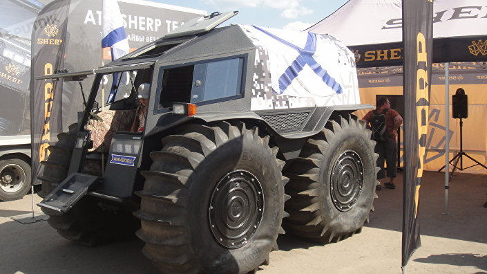 Todo-terreno russo SHERP durante a exposição de equipamentos militares e de dupla utilização no polígono de Alabino, Rússia