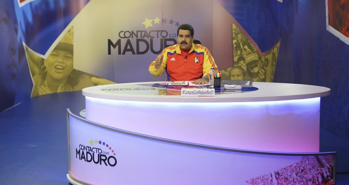 Venezuela's President Nicolas Maduro speaks during his weekly broadcast en contacto con Maduro (In contact with Maduro) at the Miraflores Palace in Caracas, in this June 2, 2015 handout picture provided by Miraflores Palace. Maduro on Tuesday suggested that Argentine soccer legend Diego Maradona become the next FIFA president, hours after a deepening soccer scandal spurred the resignation of the group's top official Sepp Blatter.