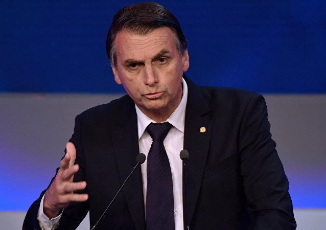 Deputado federal Jair Bolsonaro (PSL) durante debate na Rede Bandeirantes, em 9 de agosto, entre pré-candidatos à presidência do Brasil nas eleições de 2018