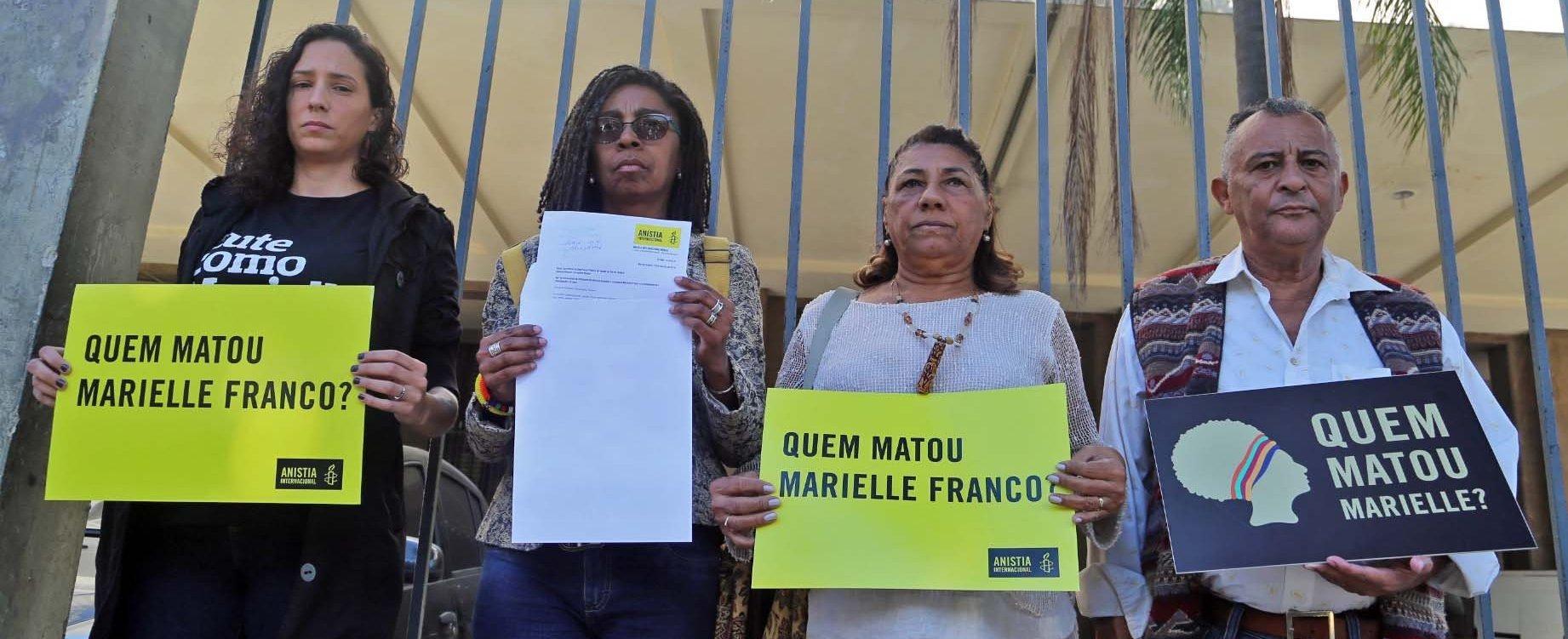 Monica Benício, viúva de Marielle Franco, Jurema Werneck, dir. executiva da Anistia Internacional Brasil, Marinete da Silva e Antonio Francisco da Silva Neto, mãe e pai da defensora de direitos humanos e vereadora na Secretaria de Estado de Segurança do Rio de Janeiro.