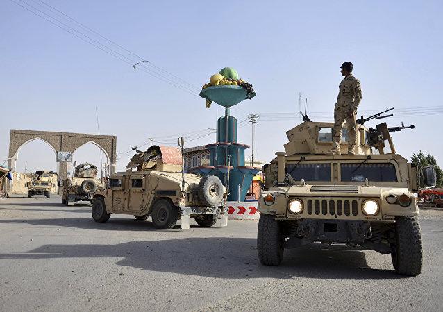 Forças de segurança do Afeganistão durante patrulha na cidade de Ghazni na província de Cabul, em 12 de agosto de 2018