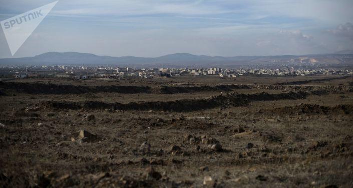 Vista para as Colinas de Golã na província de Quneitra, Síria