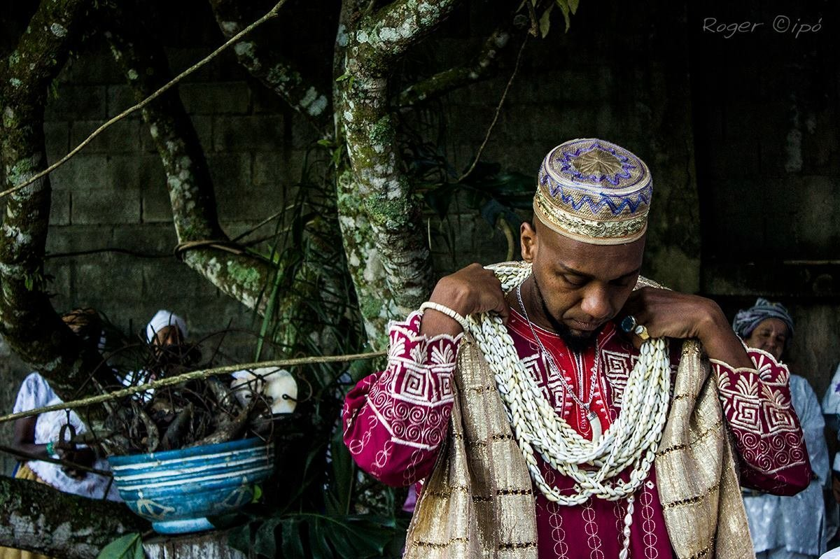 Rodney William, Babalorixá do Ilê Obá Ketu Axé Omi Nlá, antropólogo e escritor.