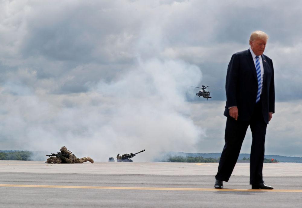 Presidente dos Estados Unidos, Donald Trump, durante uma visita à base militar de Fort-Dram (EUA), em 13 de agosto de 2018