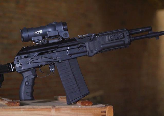 Fuzil de assalto AK-308 apresentado pelo consórcio russo (imagem referencial)