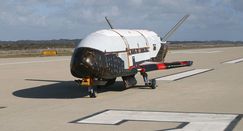 Veículo de Teste Orbital X-37B na Base da Força Aérea de Vandenberg (foto de arquivo)