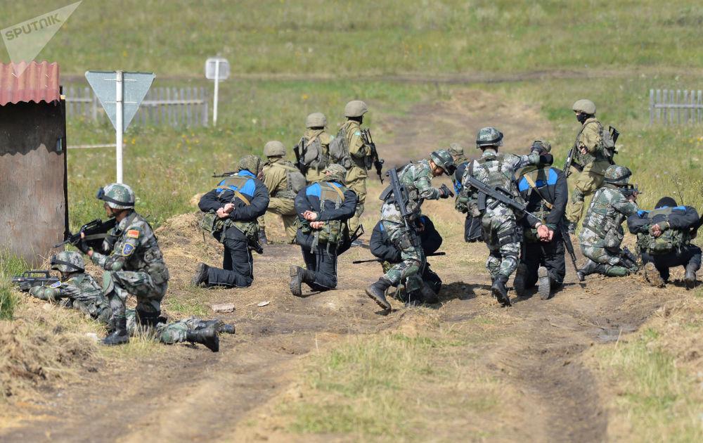 Vários países da OCX deslocaram grupos de seus militares para a Rússia com objetivo de aprender a lutar contra ameaças terroristas