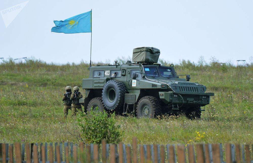 Material bélico do Cazaquistão posicionado no polígono na região russa de Chelyabinsk no decurso dos exercícios Missão de Paz 2018