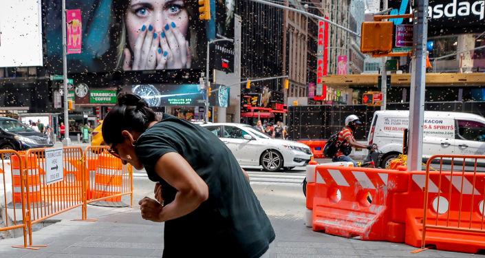 Abelhas atacam uma barraca de cachorro-quente em Nova York